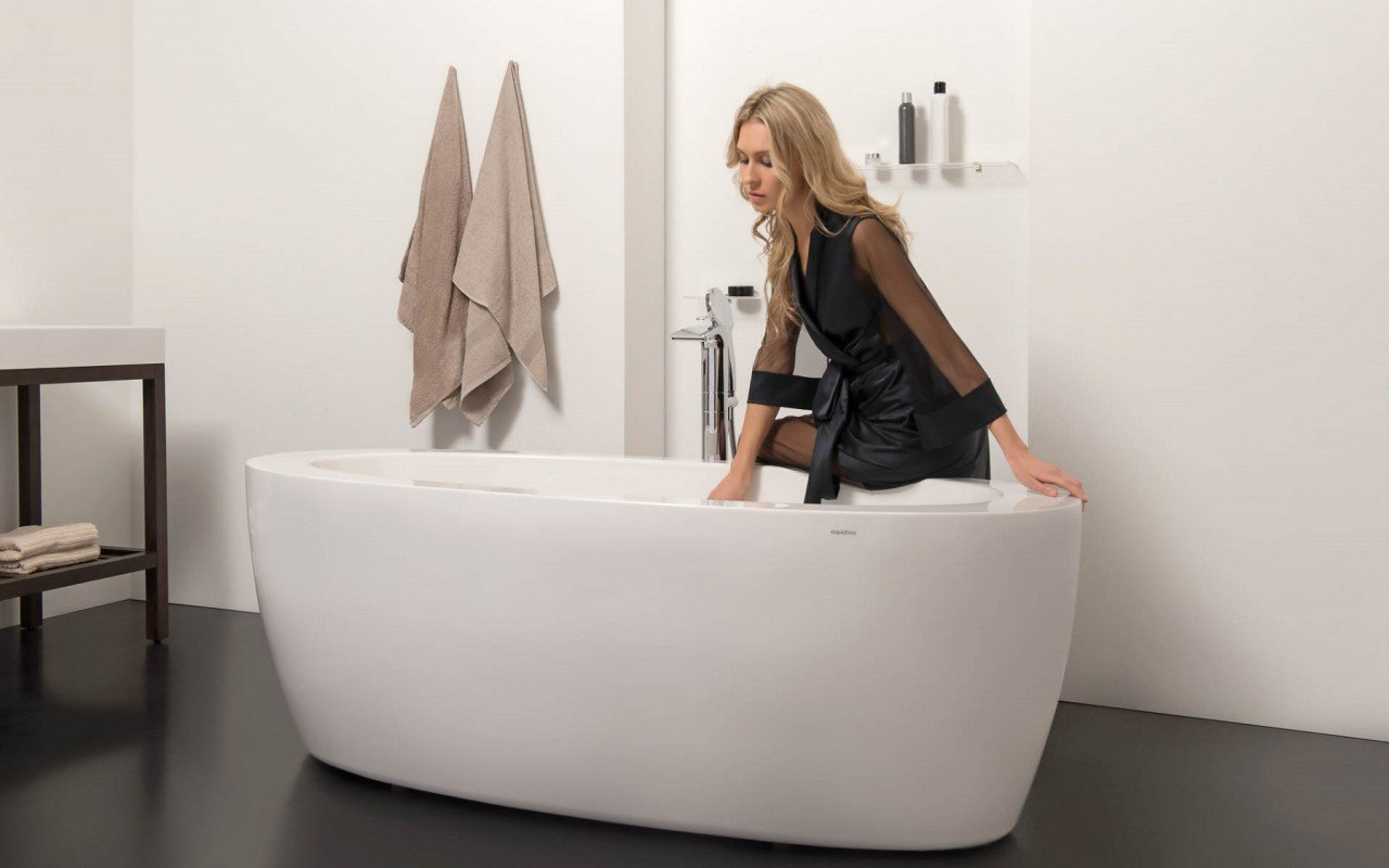 Aquatica PureScape 174B Freestanding Acrylic Bathtub DSC2746 WEB