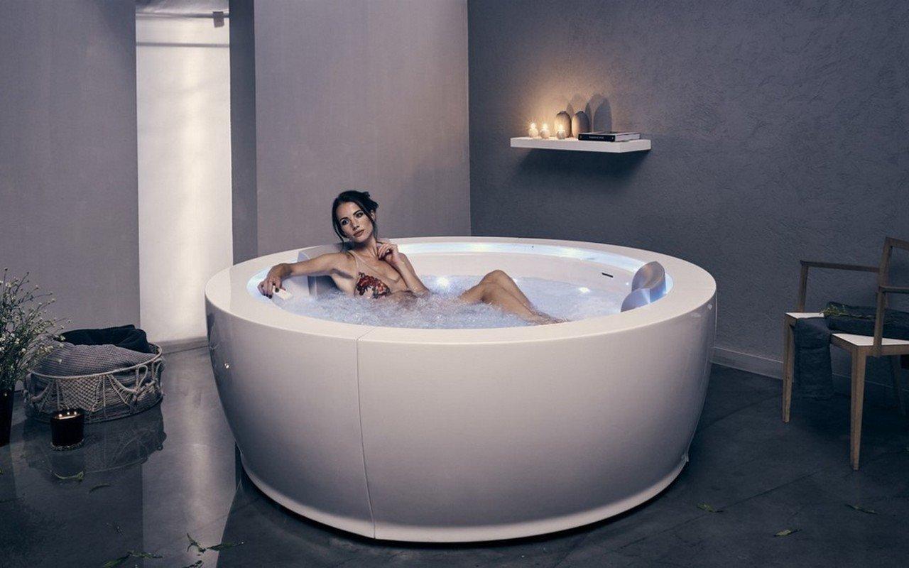 Infinity R1 Relax-Pro Отдельностоящая Акриловая Ванна с Аэромассажем, Подсветкой и Подогревом Воды picture № 0